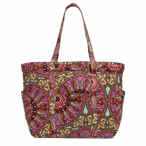 Vera Bradley Handbags - Vera Bradley Get Carried Away travel Tote Bag